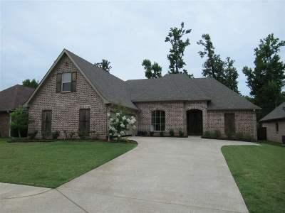 Brandon Single Family Home For Sale: 115 Elizabeth Dr