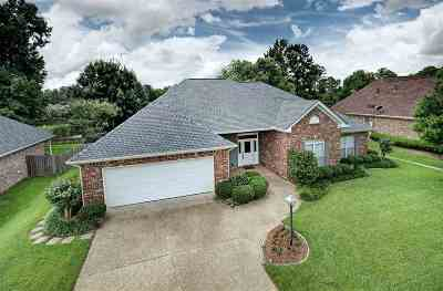 Byram Single Family Home Contingent/Pending: 447 Huntington Dr