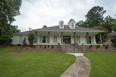 Madison Single Family Home For Sale: 82 Moss Woods Dr