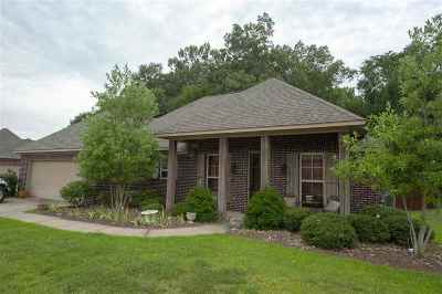 Madison Single Family Home For Sale: 236 Stillhouse Creek Dr