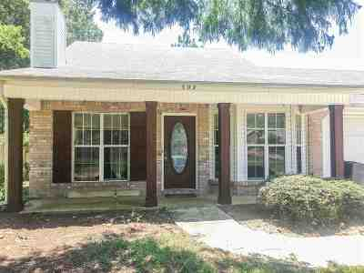 Flowood Single Family Home Contingent/Pending: 502 Longleaf Dr