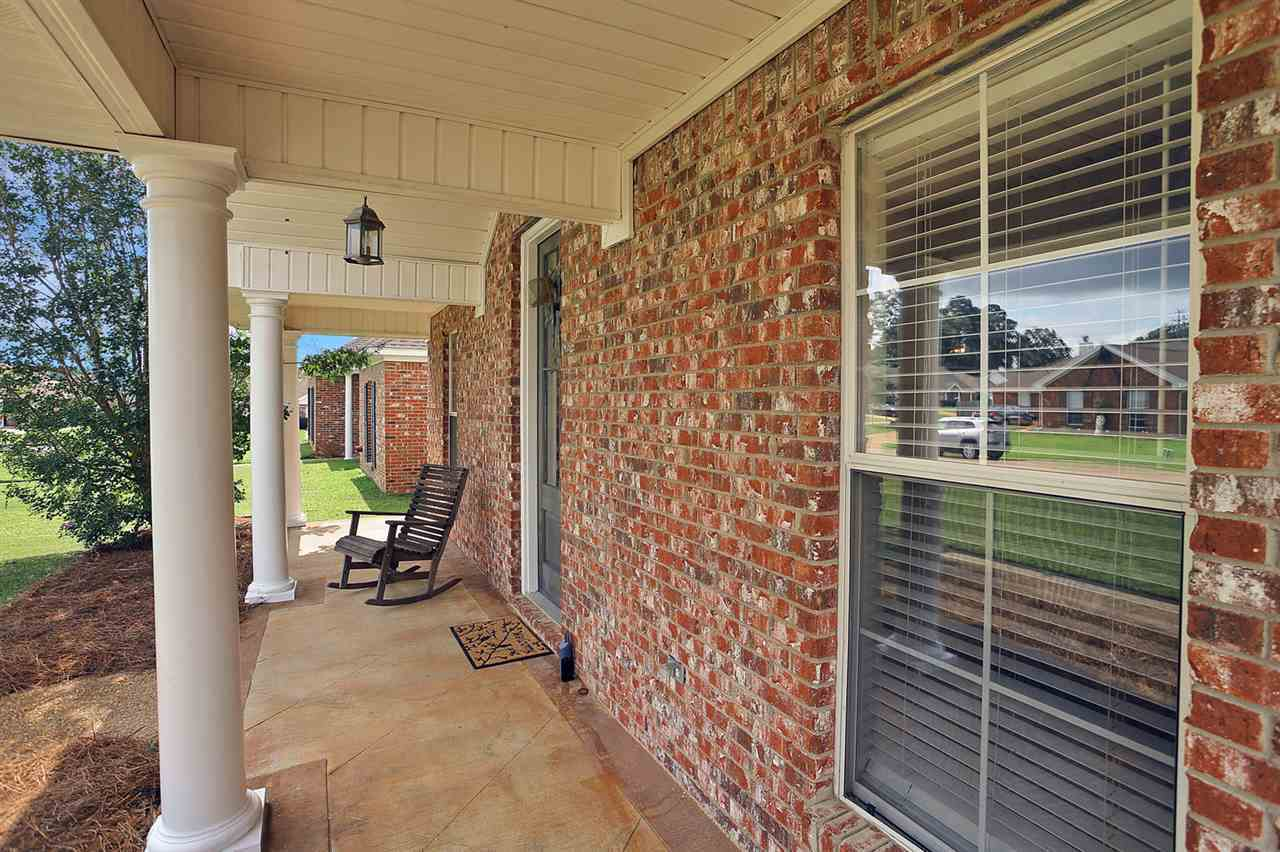 Listing: 218 White Oak Pl, Pearl, MS.  MLS# 310060   Main Street ...