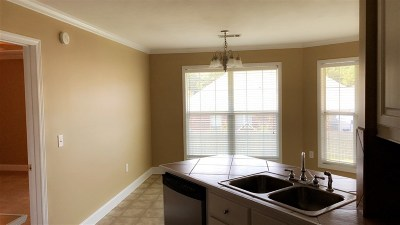 Brandon Single Family Home For Sale: 562 Lincolns Dr