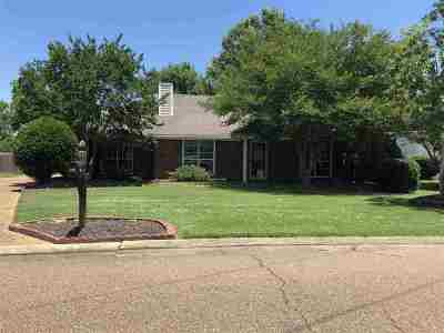Flowood Single Family Home Contingent/Pending: 2225 Meadow Oak