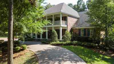 Madison Single Family Home For Sale: 590 Johnstone Dr