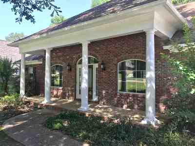 Clinton Single Family Home For Sale: 139 Bellemeade Trace
