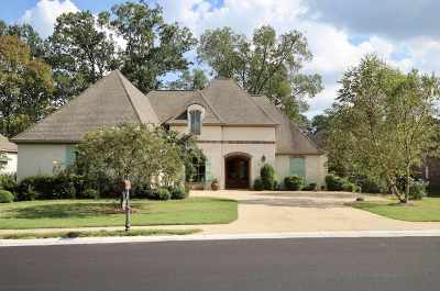 Madison Single Family Home For Sale: 209 Clermont Dr