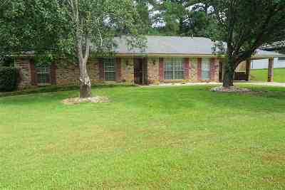 Brandon Single Family Home Contingent/Pending: 63 Crossgates Dr