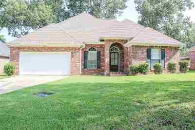 Pearl Single Family Home Contingent/Pending: 620 Walnut Grove Dr