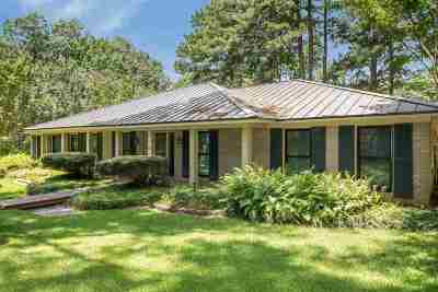 Madison Single Family Home For Sale: 101 Coachman's Rd
