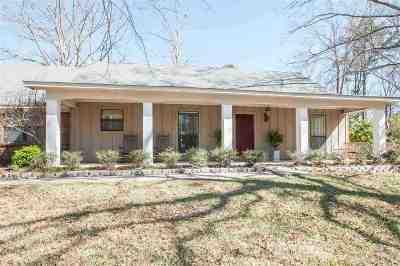Brandon Single Family Home Contingent/Pending: 146 Richmond Dr