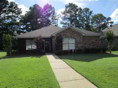 Pearl Single Family Home Contingent/Pending: 121 Whispering Oaks Xing