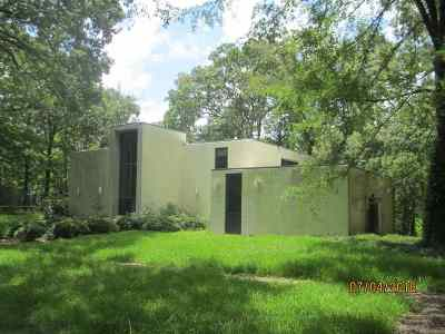 Hinds County Single Family Home Contingent/Pending: 337 Springhill Dr
