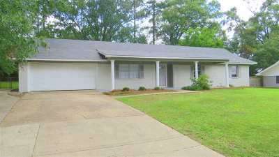 Pearl Single Family Home For Sale: 109 Belaire Dr