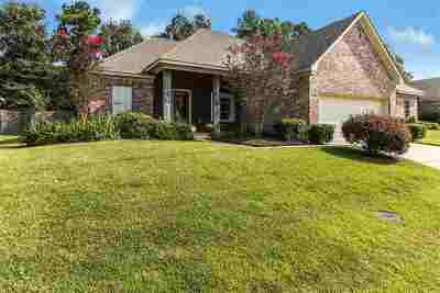 Pearl Single Family Home For Sale: 445 Silver Hill
