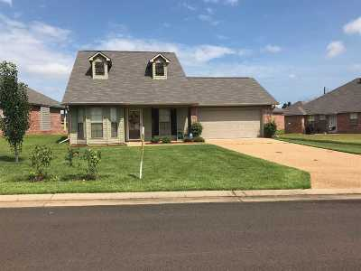 Byram Single Family Home For Sale: 133 Winchester