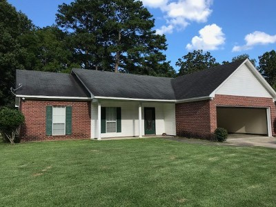 Scott County Single Family Home Contingent/Pending: 229 Scott Dr