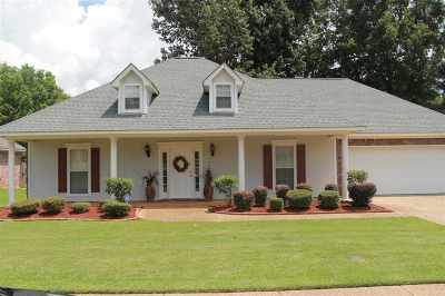 Byram Single Family Home For Sale: 475 Huntington Dr