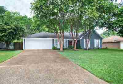 Madison County Single Family Home Contingent/Pending: 339 Meadow Ridge Dr