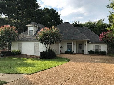Madison Single Family Home For Sale: 110 Hartfield Ct