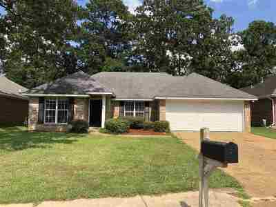 Brandon Single Family Home Contingent/Pending: 150 Chestnut Dr