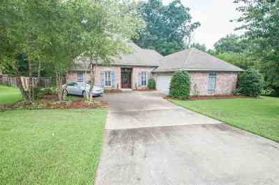 Madison County Single Family Home For Sale: 530 Hazelton Dr