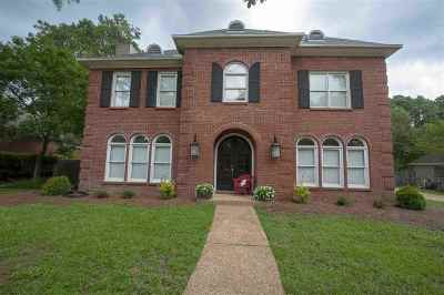 Madison County Single Family Home For Sale: 704 Woodgate Dr