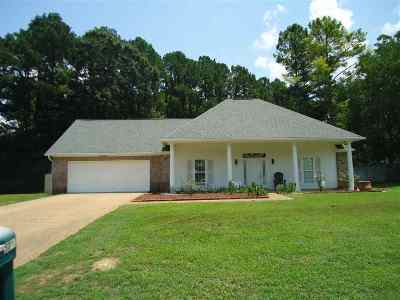 Byram Single Family Home For Sale: 5276 Canary Dr