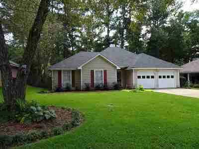Madison County Single Family Home For Sale: 686 Twin Harbor Pl