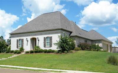 Madison County Single Family Home For Sale: 156 Hampton Hills Blvd