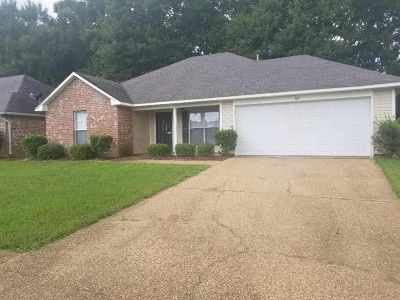 Hinds County Single Family Home For Sale: 107 Cedarstone Dr