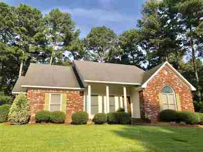 Ridgeland Single Family Home For Sale: 422 Idlewoods Ln