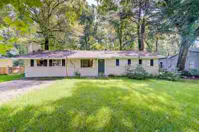 Clinton Single Family Home For Sale: 208 McRee Dr
