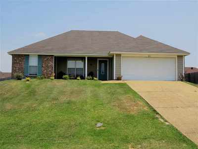 Byram Single Family Home For Sale: 212 Freemyer Dr