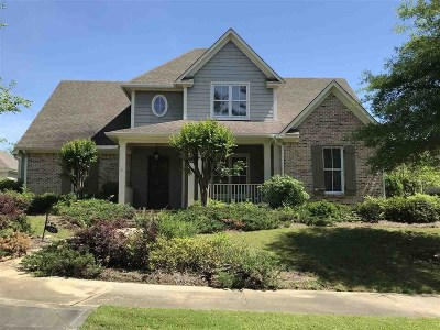 Madison Single Family Home For Sale: 152 Reunion Blvd
