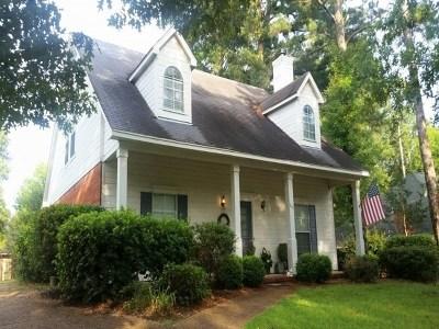 Madison Single Family Home Contingent/Pending: 241 Clark Farm Rd