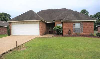 Byram Single Family Home Contingent/Pending: 612 Willow Bay Dr