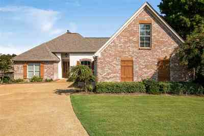 Madison Single Family Home For Sale: 107 Hartfield Ct