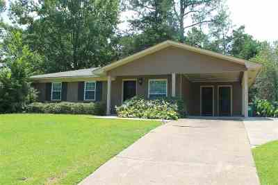 Ridgeland Single Family Home Contingent/Pending: 221 Faith Hill St