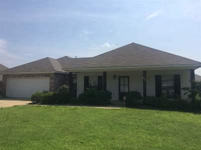 Pearl Single Family Home For Sale: 608 Oak Park Cir