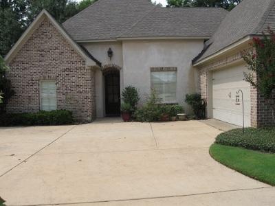Madison Single Family Home For Sale: 504 Saratoga