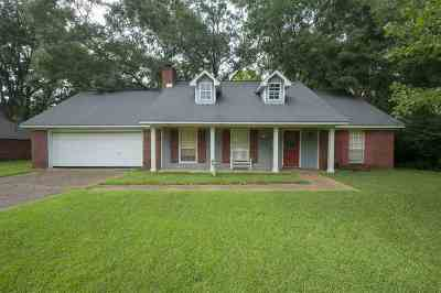 Madison Single Family Home Contingent/Pending: 159 Sumac Dr