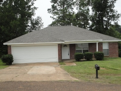 Byram Single Family Home For Sale: 413 Vining Ct