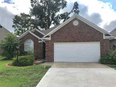 Clinton Single Family Home Contingent/Pending: 138 Oakleigh Dr