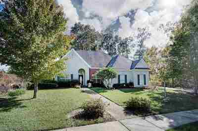 Brandon Single Family Home For Sale: 112 Woodlands Green Dr