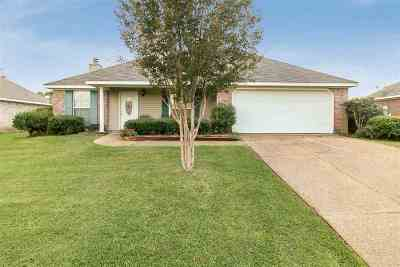 Pearl Single Family Home For Sale: 810 Pin Oak Pl