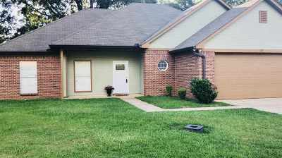 Richland Single Family Home Contingent/Pending: 103 Copper Ln