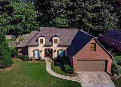 Madison Single Family Home For Sale: 146 Hartfield Dr