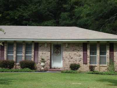 Scott County Single Family Home For Sale: 46 Jo Lynn St