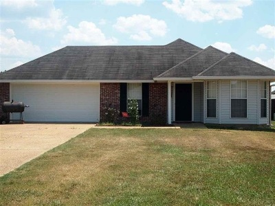 Byram Single Family Home Contingent/Pending: 602 White Dove Cove